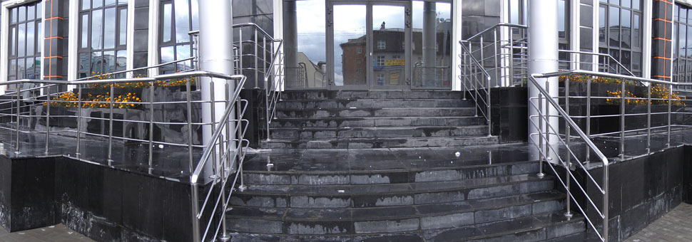 Лестничные огражденияMеталлические окрашенные, из нержавеющей стали, со стеклом, алюминиевые